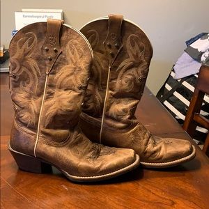 "Size 7""5 ARIAT COWGIRL BOOTS"